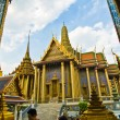 Tempel What Phra Kaeo in Bangkok - Stock Photo