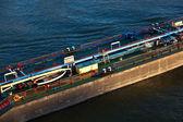 Nave di merci sul fiume reno da colonia — Foto Stock