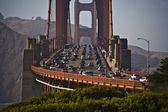 Traffic on golden gate Bridge in the afternoon — Stock Photo