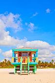 Strandliv på den vita stranden i södra miami — Stockfoto