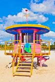 Beachlife op het witte strand in zuid-miami — Stockfoto