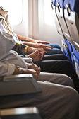 Kabinde yolcuların el — Stok fotoğraf