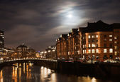 Historic Speicherstadt at night in Hamburg — Stock Photo