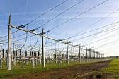 Elektrisk kraftstation med himmel — Stockfoto