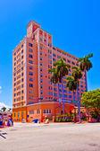 Beautiful historic buildings in Miami in the Art deco district — Stock Photo