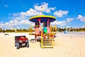 Beachlife at the white beach in South Miami — Stock Photo