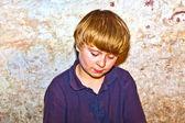 悲しい少年のポートレート — ストック写真