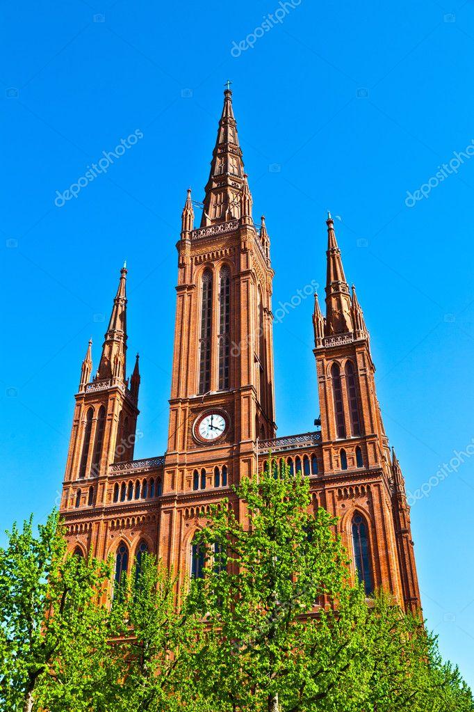 Markt c l bre kirche wiesbaden un b timent en style n o for Architecture neo gothique