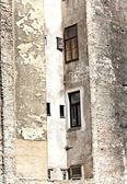 фасад старых кирпичных домов в вене — Стоковое фото