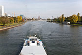 Freight ship on river Main — Stockfoto