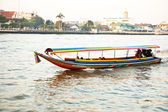 Boats on the river Mae Nam Chao Phraya with sunrise in Bangkok — Stock Photo