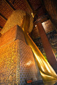The giant Reclining Buddha in Wat Pho, Thailand — Foto Stock