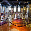 Waiting hall for lift for observatory deck inside Empire Sta — Stock Photo #5703018
