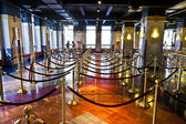 Waiting hall for the lift for observatory deck inside Empire Sta — Stock Photo