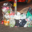 Garbage at the footway in Bangkok — Stock Photo