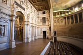 Theatro Olympico, Vicenca, famous cealing paintings and sculpure — Stock Photo