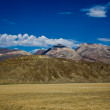 View over the dried salt see of Searles Lake to the panamid mountains — Stock Photo