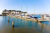 Marina v san franciscu s čluny v krásném počasí — Stock fotografie
