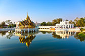 Bang Pa-In Aisawan at the Royal Summer Palace near Bangkok, Thai — Stok fotoğraf
