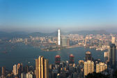 Hong Kong view from Victoria Peak to the bay and the skyscrapers — Stock Photo