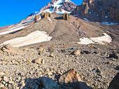 Blick zum kasbek, der heilige berg im kaukasus — Stockfoto