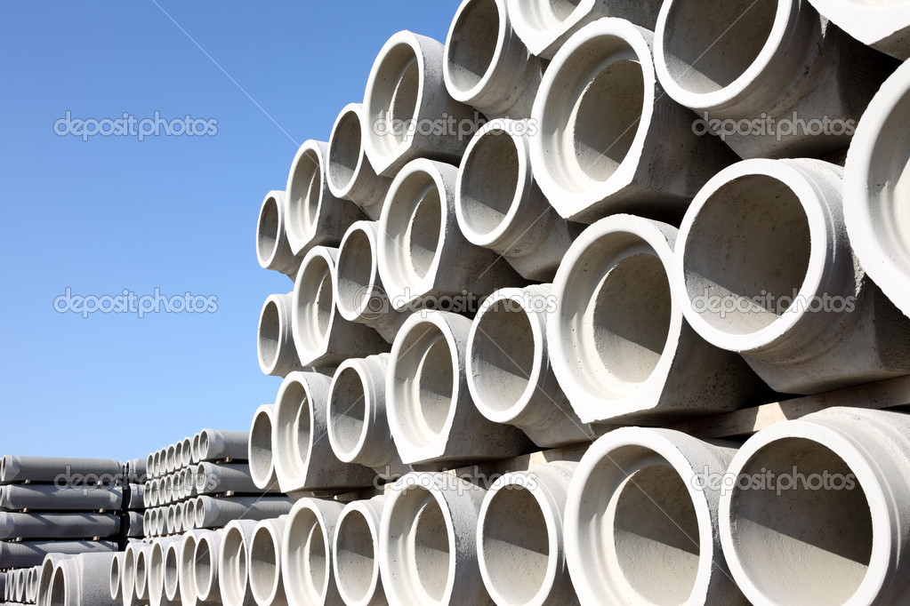 Stacked concrete drainage pipes  — Stockfoto #5826014