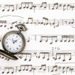 Old poket wacth on music sheet — Stock Photo #6027329
