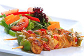 Chicken Kebabs and Salad — Stock Photo