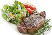 Steak and Salad — Stockfoto