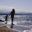 Kids playing on the beach — Stock Photo