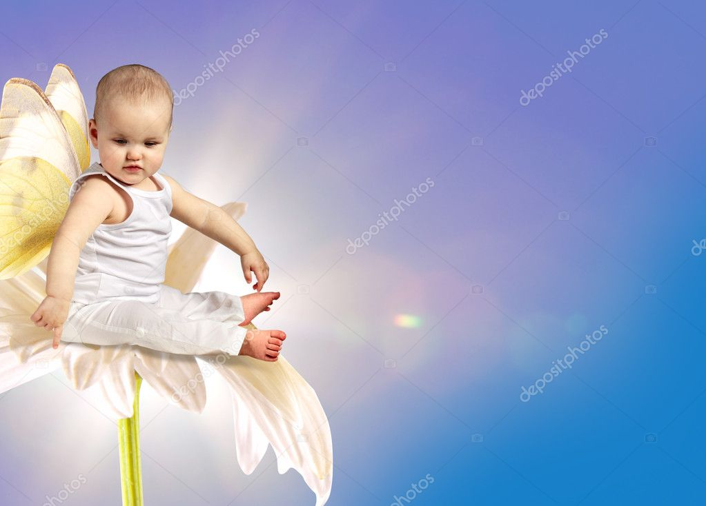 Angel baby on flower  — Stock Photo #5644295