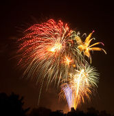 Brilliantly colored display of fireworks — Stock Photo