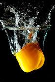 Gele peper water splash — Stockfoto