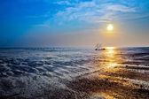 Atardecer en una playa de malasia — Foto de Stock