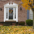 Inviting Home in Autumn - Foto Stock