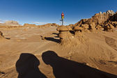 Hiker in the desert. — Foto Stock