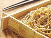 Bandeja de macarrão de trigo sarraceno — Fotografia Stock