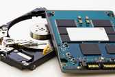 SSD vs HDD, new vs old, new technology with no mechanical elemen — Stock Photo