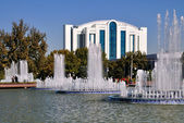 Fountains of the Independence Square in Tashkent — Stock Photo