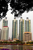 Hoge stijging witte hoge gebouwen en meer — Stockfoto