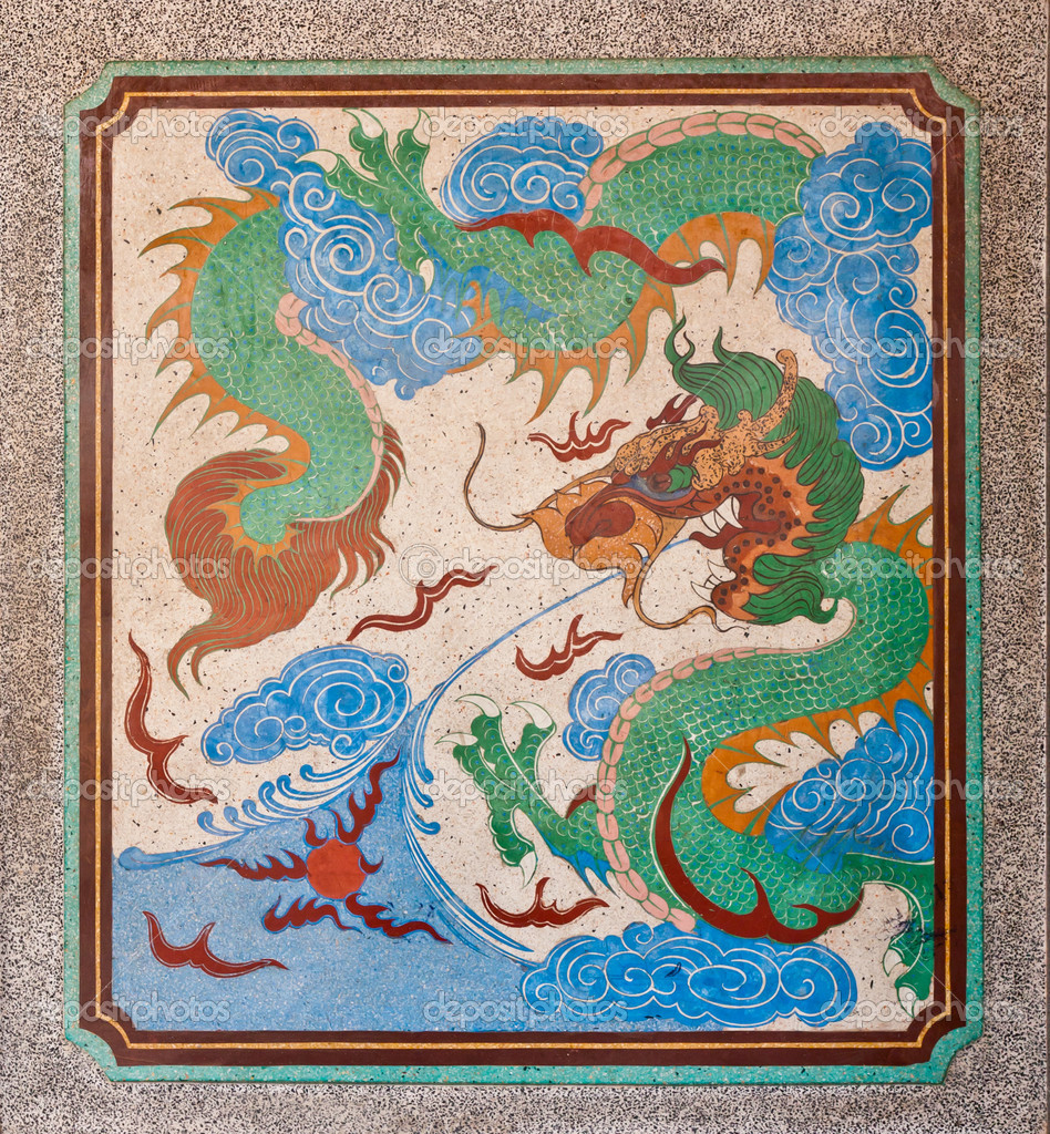Dragon painting on mable wall in chinese temple — Stock Photo #6375645