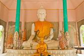 Vit buddha staty — Stockfoto