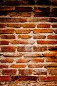Mur de briques très sales vertical contraste élevé — Photo