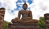 佛像的支柱之间 — 图库照片