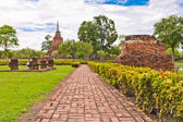 Walk path to ruin pagoda in sukhothai — Stock Photo