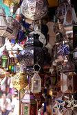 марокканский стекла и металла светильники лампы в марракеше сук — Стоковое фото
