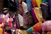 украшенные традиционной марокканской обувь в медина улицы souk — Стоковое фото