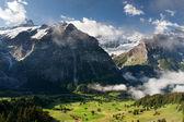 Schreckhorn v alpách, švýcarsko — Stock fotografie