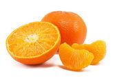 świeże mandarynka na białym tle — Zdjęcie stockowe