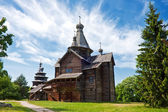Old wooden chapel in village — Stock fotografie